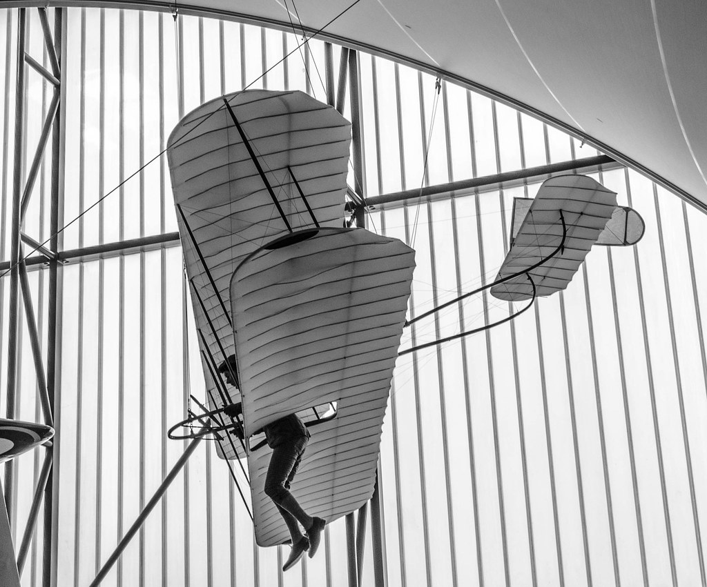 Biplane glider