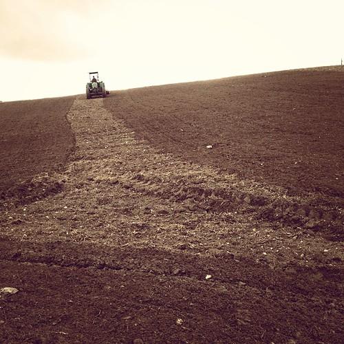 Le tracteur sur sa ligne