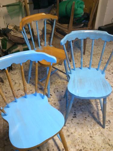empezando sillas azules madera by alialba