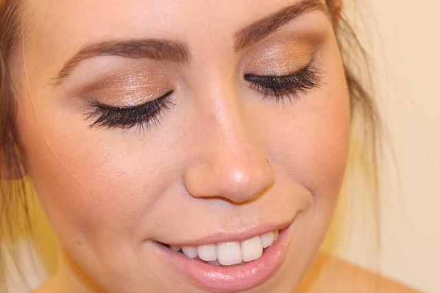 Living After Midnite: Makeup Monday: Sparkling Eyes