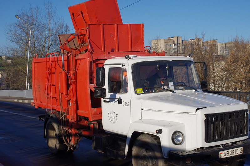 GAZ-3307 trash side loader - cars in Belarus