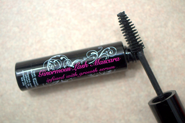 Hard  Candy Ginormous Lash mascara wand