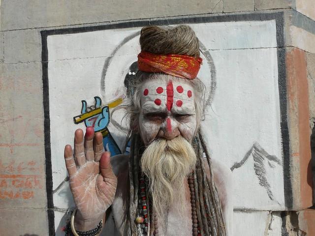 El hombre santo de Benarés (Sadhu de India)