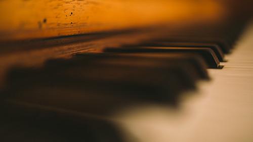 piano depthoffield musicalinstrument ivory keys everett dof canon newberlin wisconsin whitekeys blackkeys canoneos5dmarkiii sigma35mmf14dghsmart johnwestrock