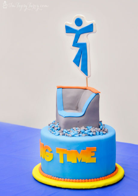 trampoline-park-cake-hang-time