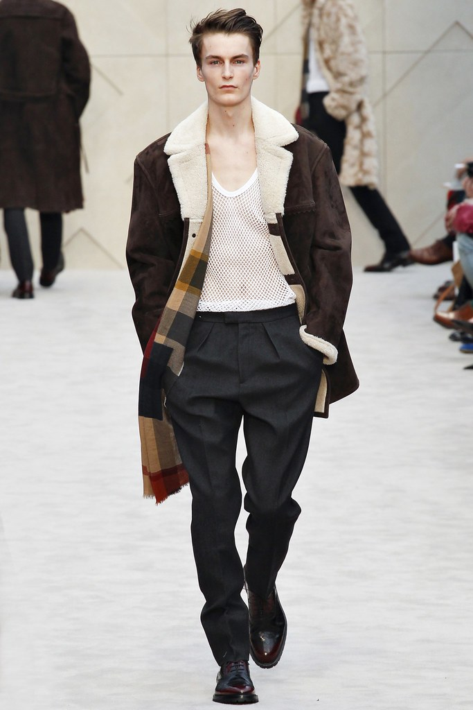 FW14 London Burberry Prorsum013_Jack Chambers(VOGUE)