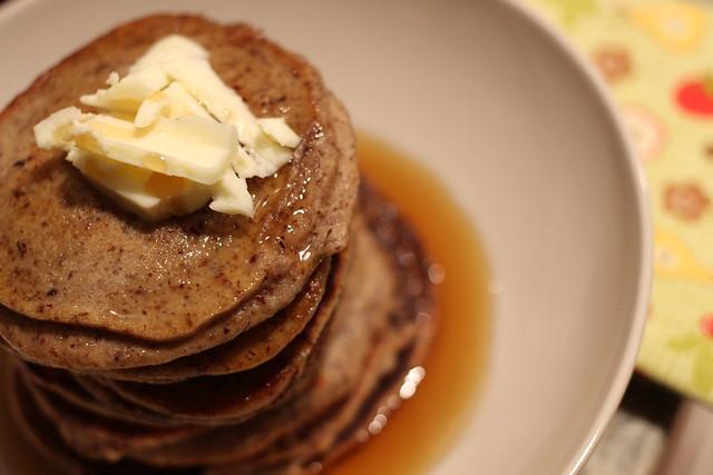 hazelnut banana pancakes
