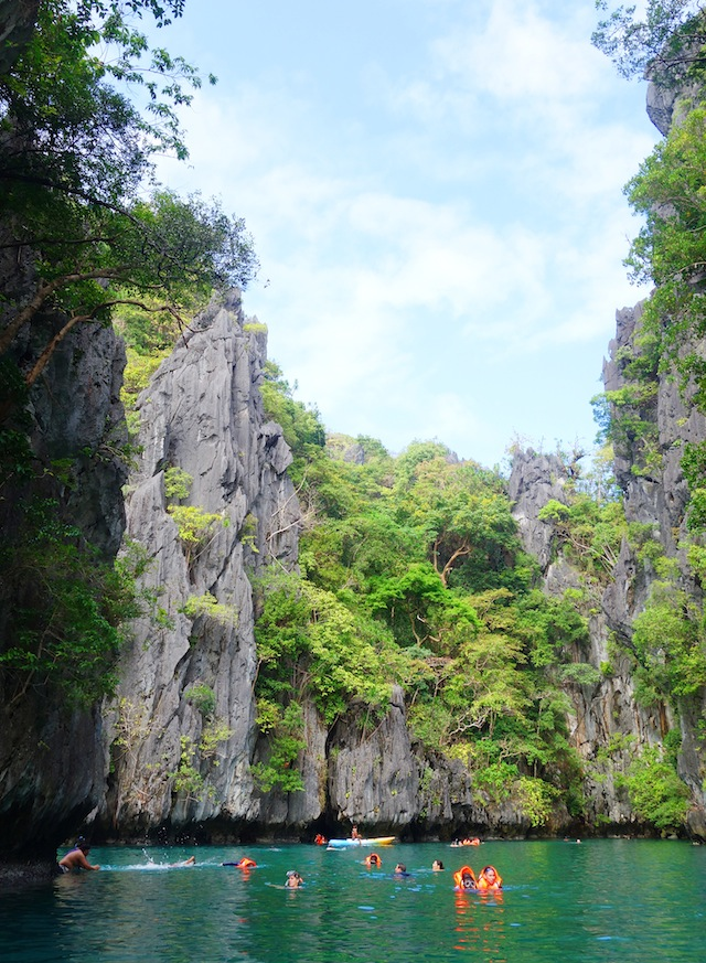 El Nido Palawan island hopping Small Lagoon swimming