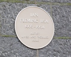 Photo of Ian Fleming yellow plaque