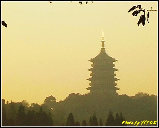 杭州 西湖 (其他景點) - 534 (西湖十景之 柳浪聞鶯 在這裡準備觀看 西湖十景的雷峰夕照 (雷峰塔日落景致)