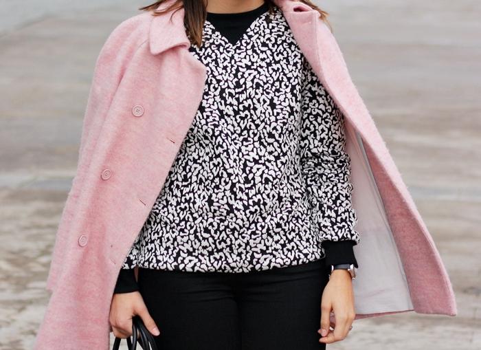 street_style-zara-pink_coat-sneakers-outfit-print por lookladymode, en Flickr