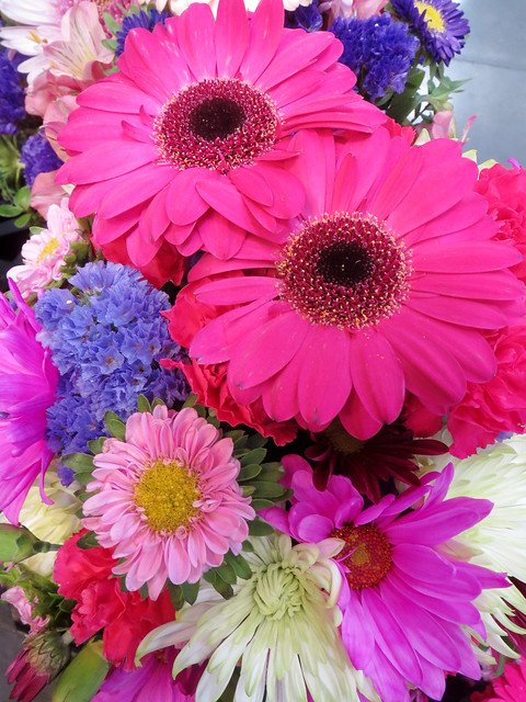 Pink Daisy Flower Bouquet