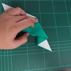 การพับกระดาษเป็นรูปเรือมังกร (Origami Dragon Boat) 013