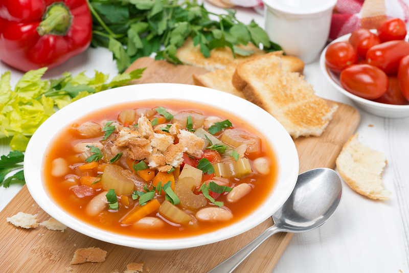 vegetable minestrone with croutons