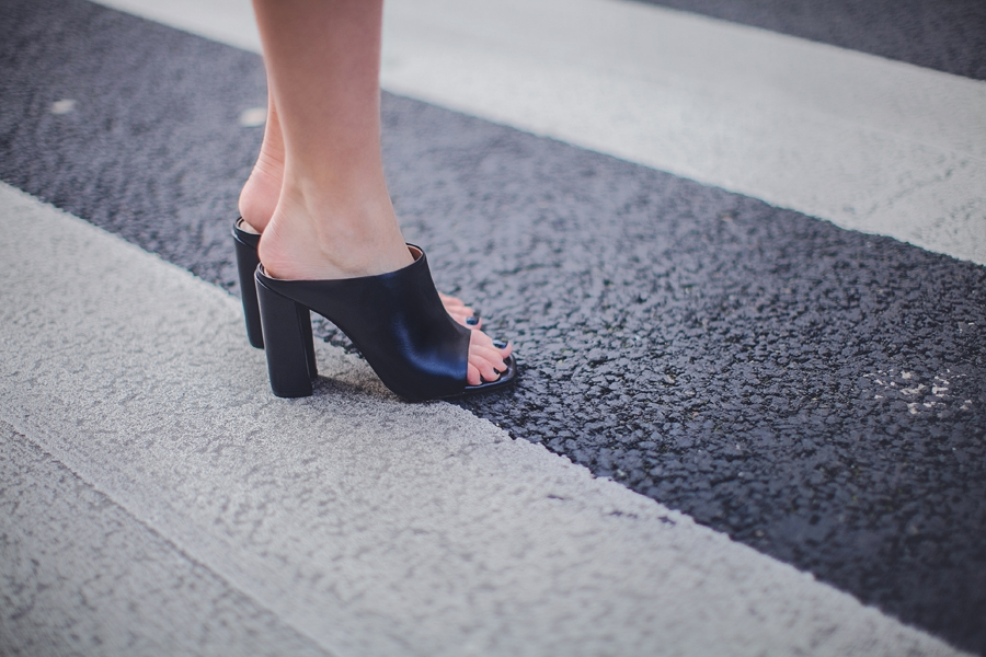 zara_black_leather_mules_block_heel