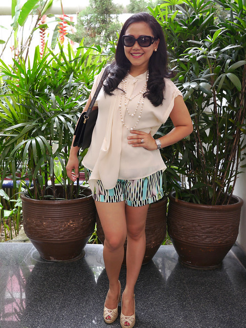market top - jlo shorts - weitzman shoes - prada shades - lv bag1