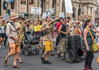 Stop the war on refugees - the wandering band