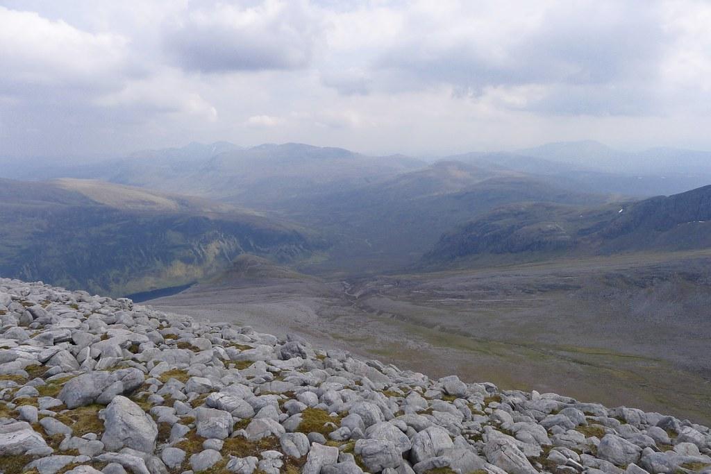 The Fannaichs and Loch an Nid