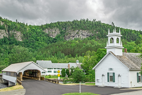 bridge trees summer mountains church canon river landscape newengland newhampshire nh coveredbridge stark manualfocus devilsslide ammonoosucriver 2015 nationalregisterofhistoricplaces canonef24105mmf4lisusm canon6d starkcoveredbridge starkvillageinn upperammonoosucriver starkunionchurch davetrono
