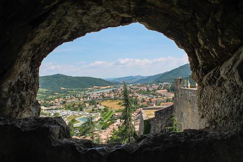 voyage trip travel mountain france nature montagne landscape vacances holidays village view paysage vue sisteron