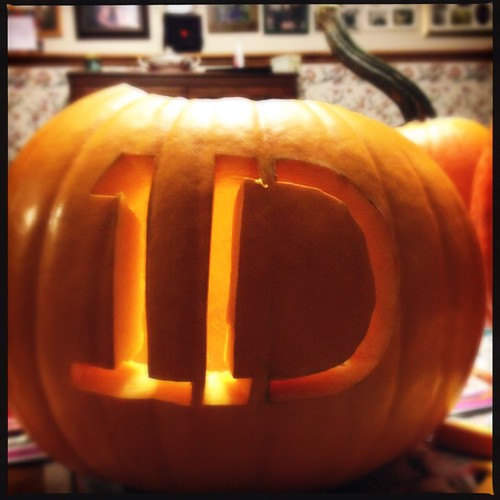 Helped my daughter carve her pumpkin. #1d #OneDirection #JackOLantern #scary by Terry Bain