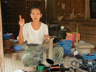 Phawe-Saw village horsehair lacquerware bargaining