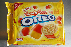 oreo_candycorn_01