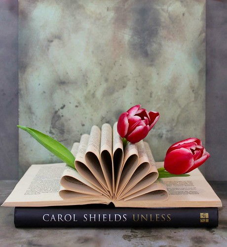 altered book centerpiece display