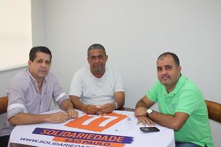 À direita, Nei da Estiva, presidente do Sindicato dos Portuários de Santos presta apoio ao Solidariedade