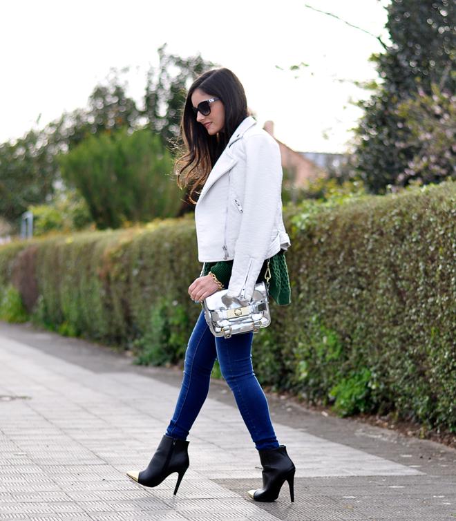 Green Sweater_08