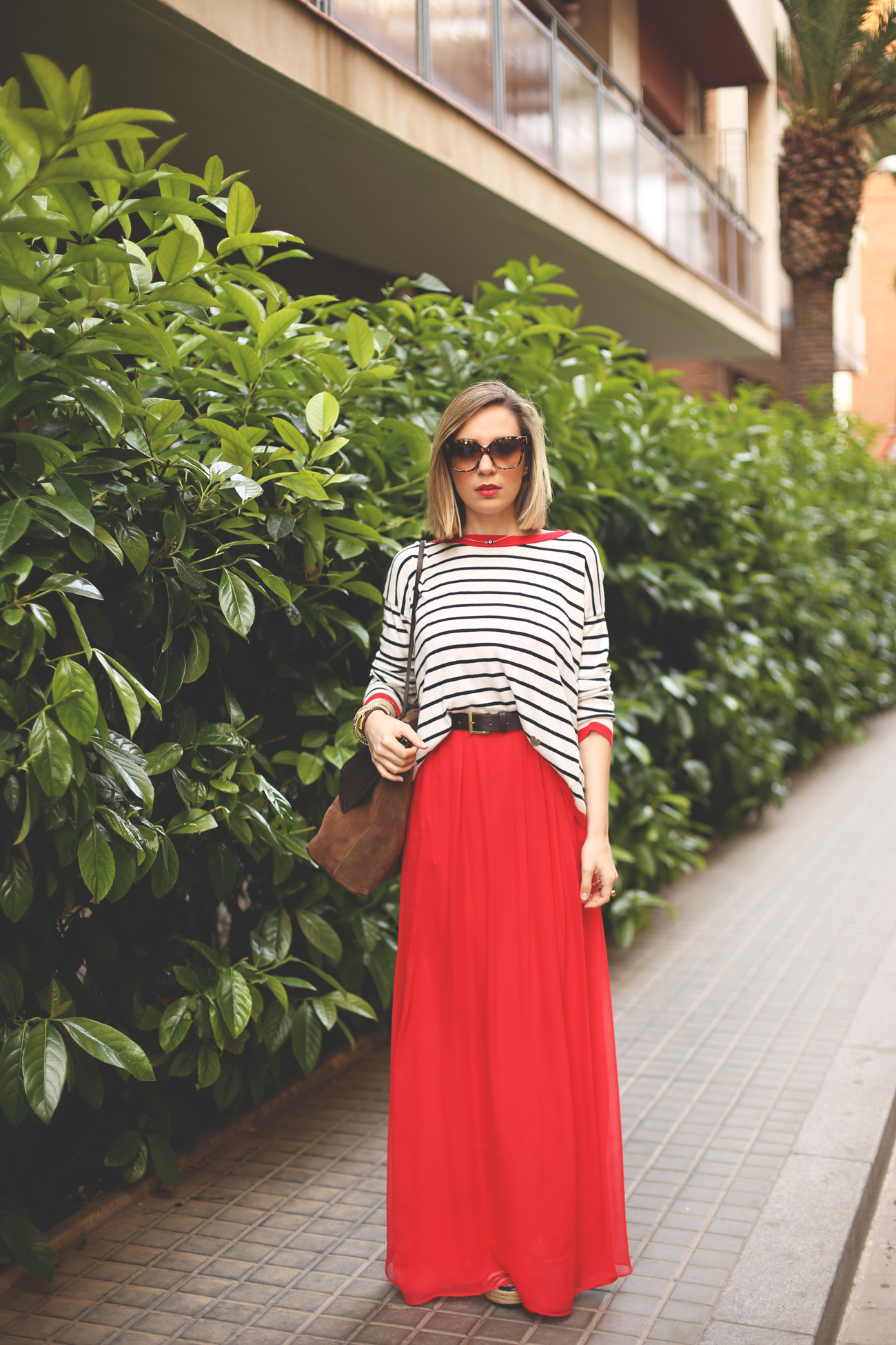 outfit, maxi skirt, red, navy, stripes, brownie, sweater, look, blogger, stylish, fashion,