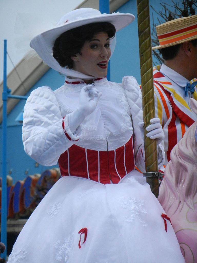 Un séjour pour la Noël à Disneyland et au Royaume d'Arendelle.... - Page 7 13903315504_5d95a45203_b