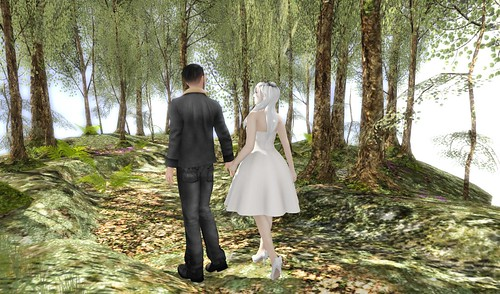 Je Suivre: Couples Pose by Lalochezia for Fifty Linden Friday