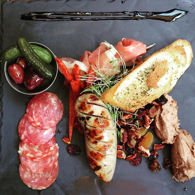 Charcuterie slate at Le Hobbit, Quebec City.