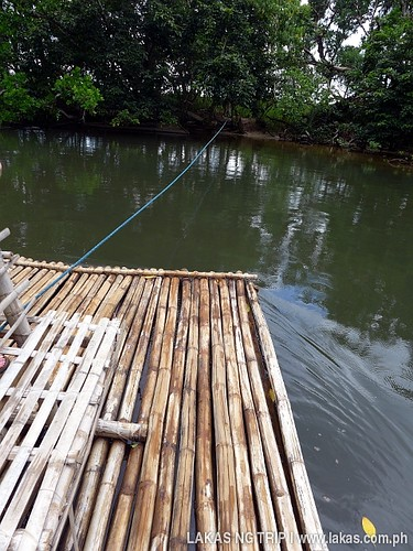 Raft to cross the river of the Mangrove Paddle Boat Tour