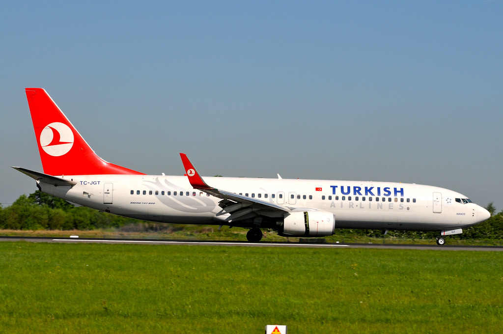 TC-JGT - B738 - Turkish Airlines