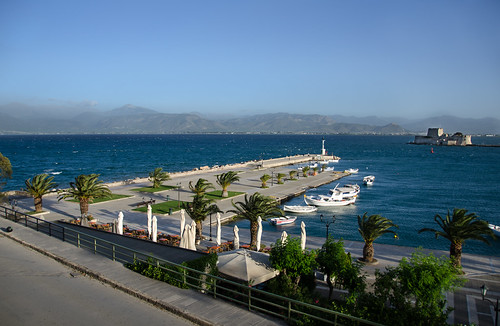 history day waterfront windy clear greece palmtrees brisk nafplio whitecaps nauplion nikon18200mmvrii bourtzicastle nikond7000 pse11 greece2013