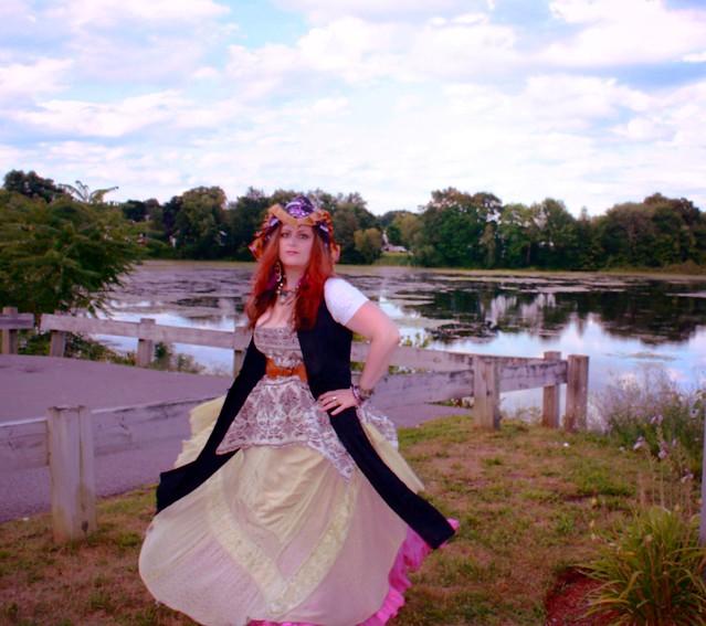 pirate wench dancer
