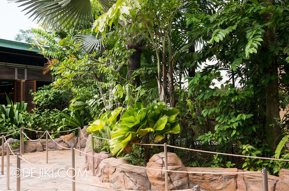 Universal Studios Singapore - HHN3 maze construction 3