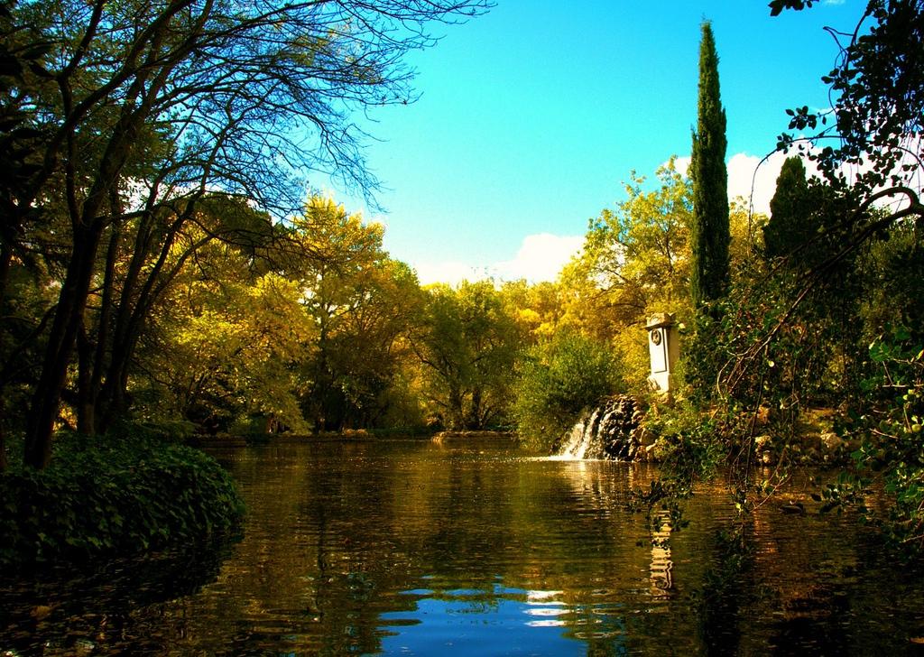 3. Parque del Capricho, en Madrid, horadado de túneles de defensa republicanos. Autor, Druidabruxux