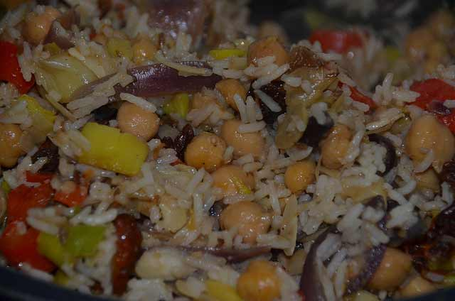 Easy, low cost supper recipe with chickpeas, leek, peppers and other veg and rice