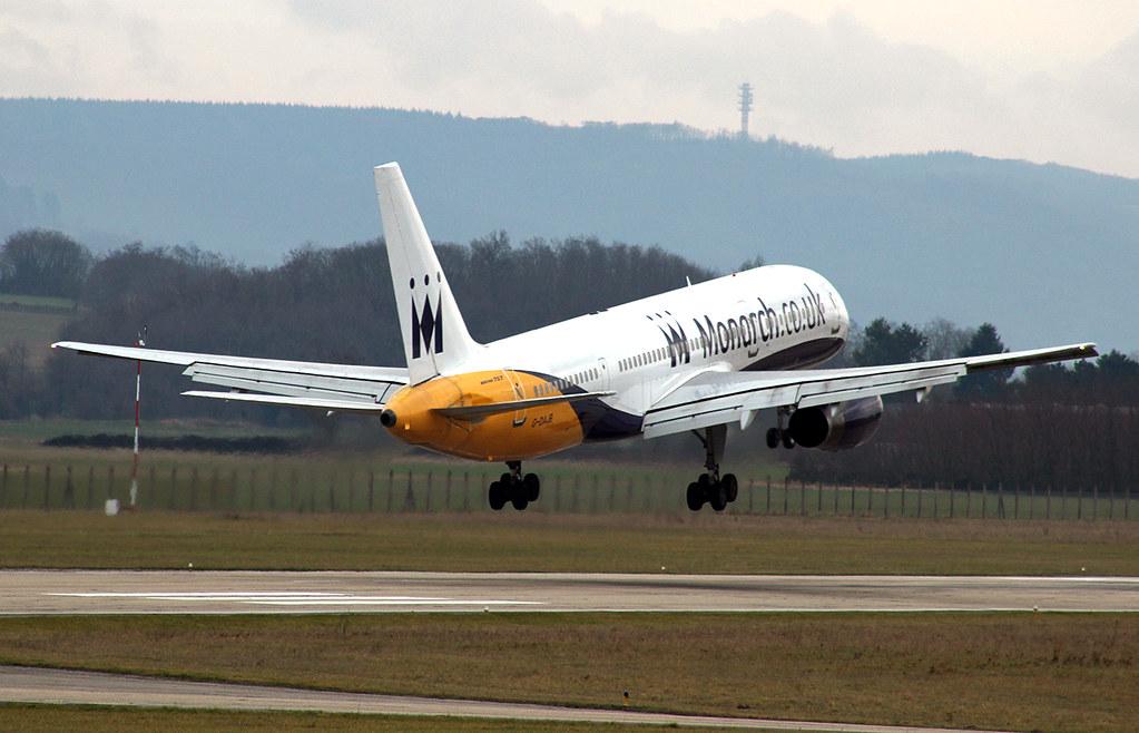 Aéroport de Grenoble-Isère [LFLS-GNB] 11928277784_359fc4f9aa_b