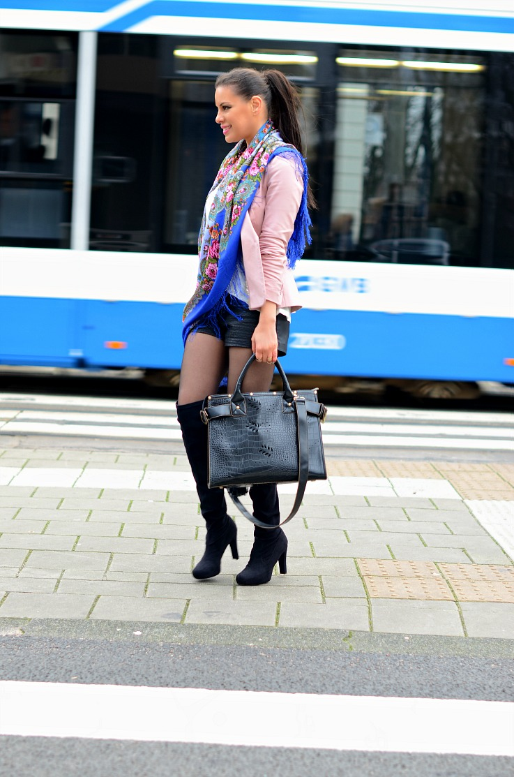 Amsterdam Fashion Week 2014,Aziz Bekkaoui fashion week 2014, floral scarf,Over the knee boots,Zara pink blazer,Luxyra