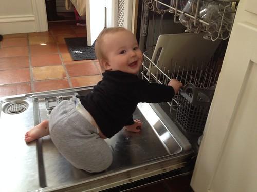 Kitchen helper by carolinearmijo