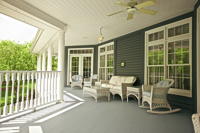 Pictures of mobile homes with walk around porches joy for Pictures of porches on mobile homes