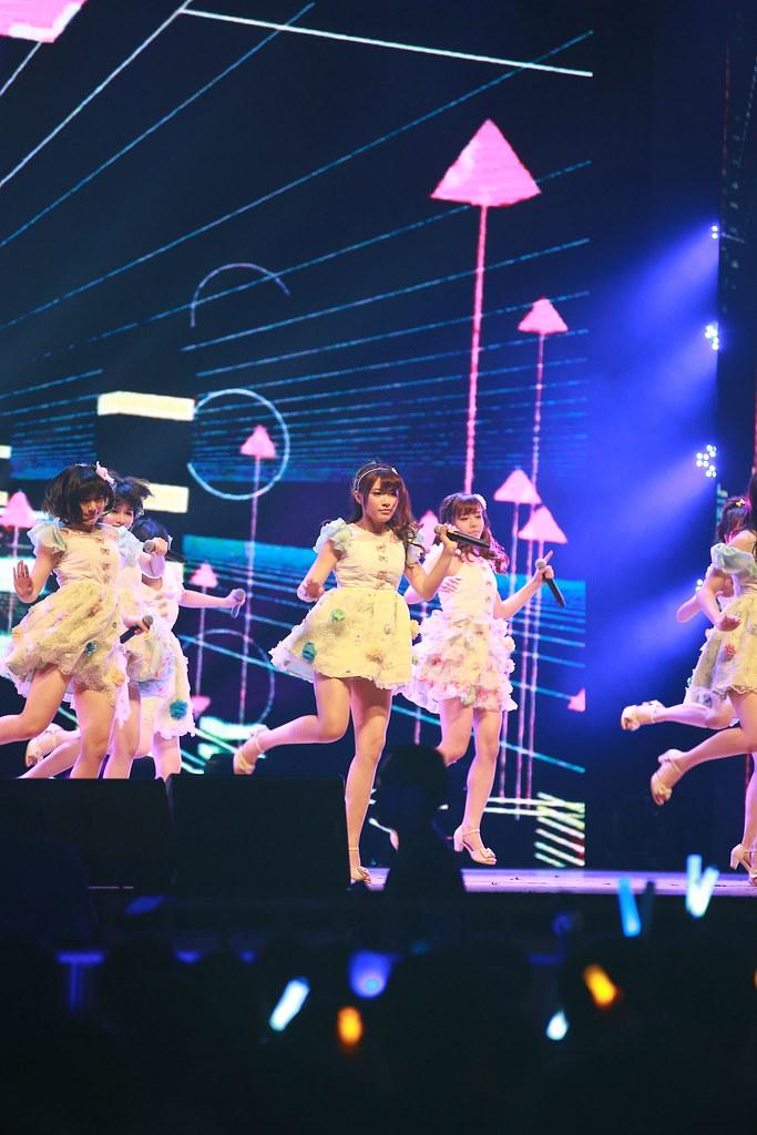 SNH48 宝钢大舞台