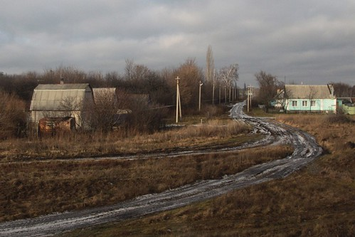 Dirt tracks in the Russian countryside - village of Совхоз Ударник, Ли́пецкая о́бласть (Svkh Udarnik, Lipetsk Oblast)