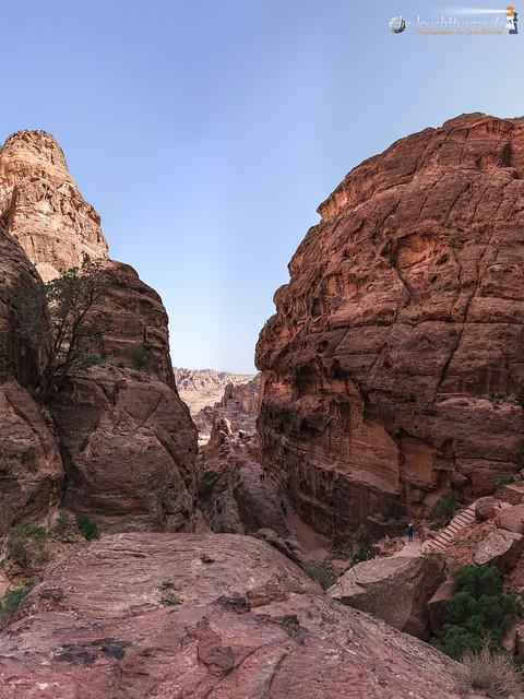 Upstairs to Jabal Attuf