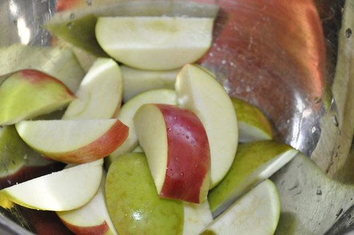 apple sauce in the slow cooker 3