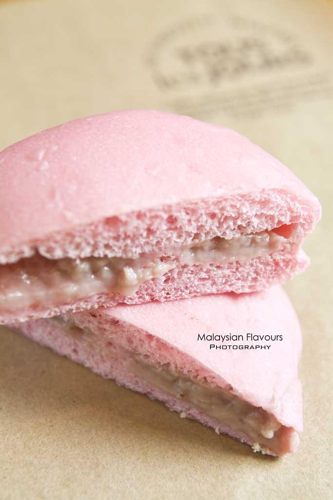 strawberry-milk-bun-tous-les-jours-bangsar-malaysia